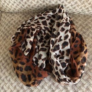 Accessories - Infinity Scarf - Animal Print